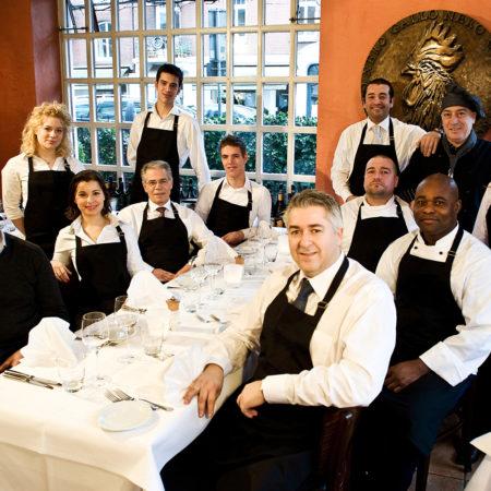 Gruppenfoto Mitarbeiter und Geschäftsführer